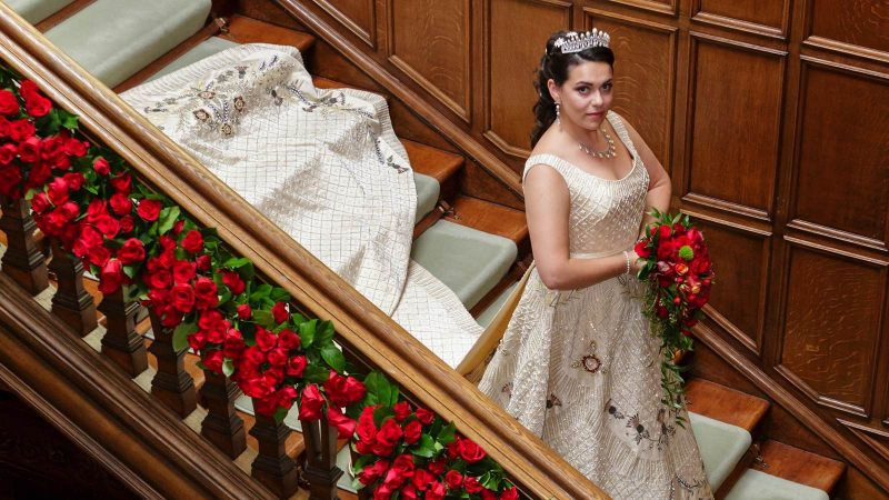 Angelo Lambrou Atelier Real Bride Gina Stairs